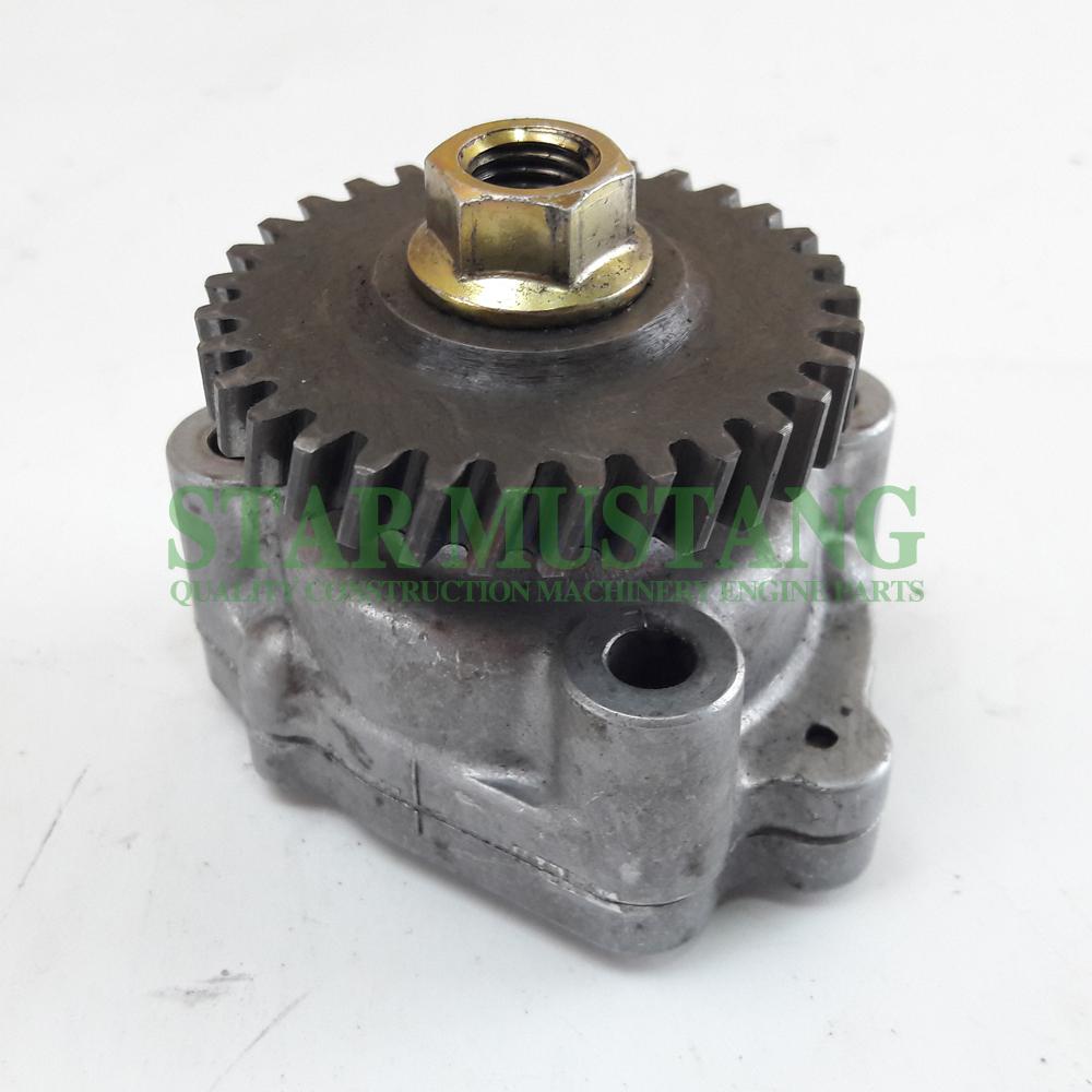 Construction Machinery Engine Parts Oil Pump D722 WG750 B7400 16851-35012